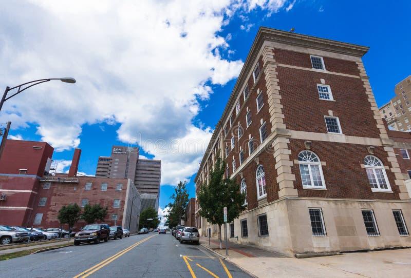 Im Stadtzentrum gelegener Winston-Salem North Carolina von der gezierten Straße lizenzfreie stockbilder