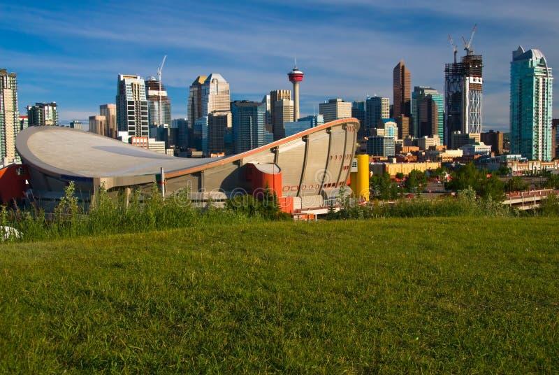 Im Stadtzentrum gelegenes Calgary lizenzfreie stockfotografie