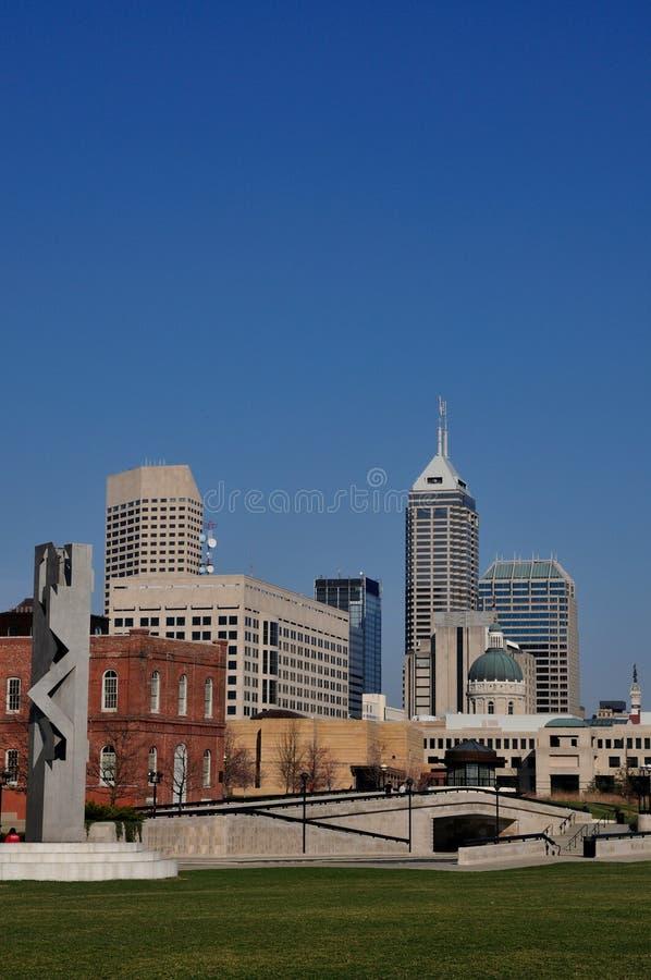 Im Stadtzentrum gelegenes Indianapolis lizenzfreie stockfotos