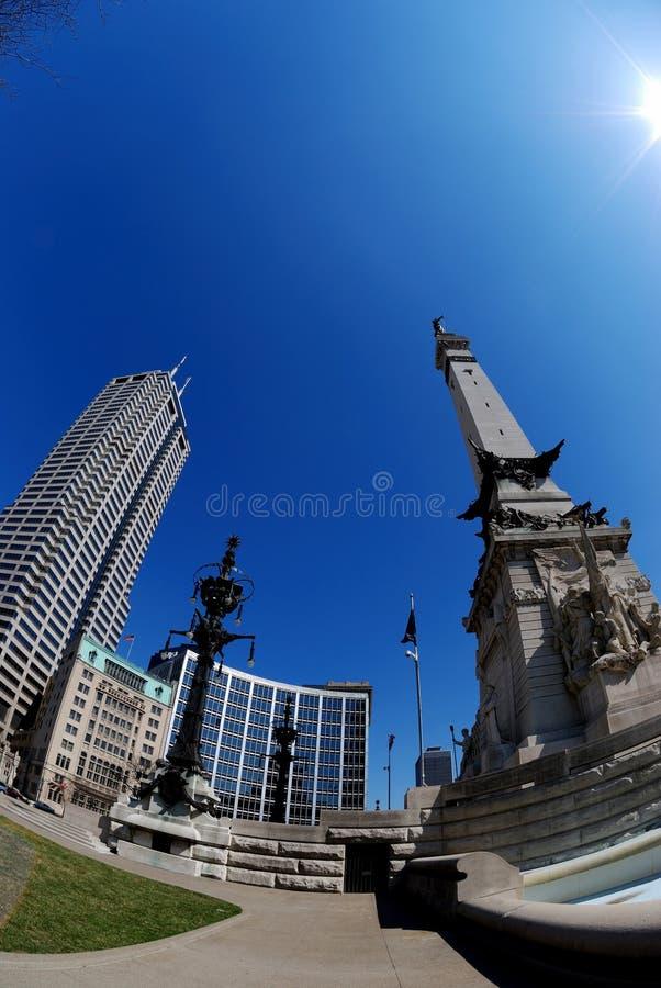 Im Stadtzentrum gelegenes Indianapolis lizenzfreie stockfotografie