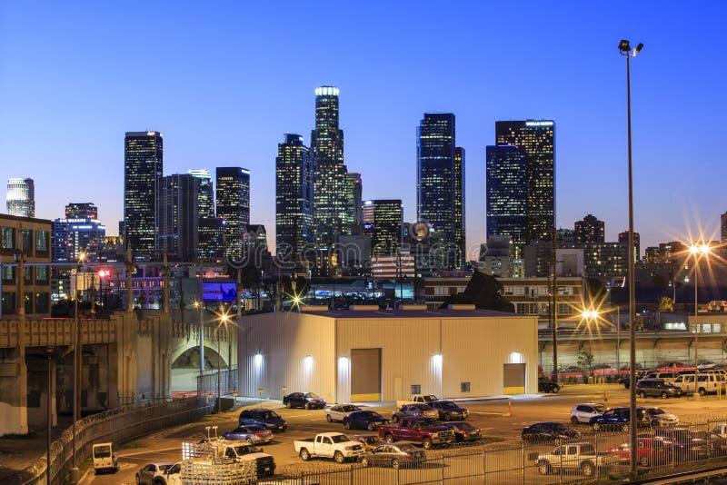 Im Stadtzentrum gelegenes nightscene Los Angeless lizenzfreies stockbild