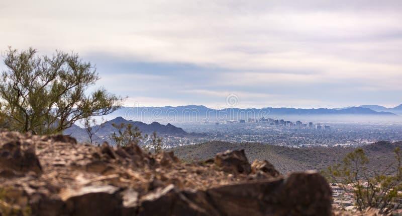 Im Stadtzentrum gelegenes Phoenix, das im Abstand sitzt stockbild