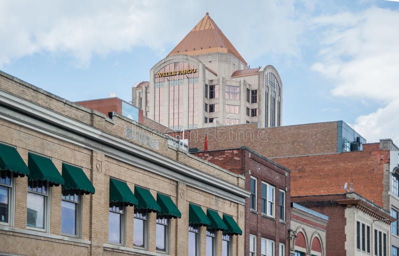 Im Stadtzentrum gelegenes Roanoke stockfotografie