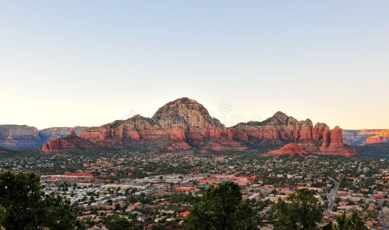 Im Stadtzentrum gelegenes Sedona Arizona stockbild