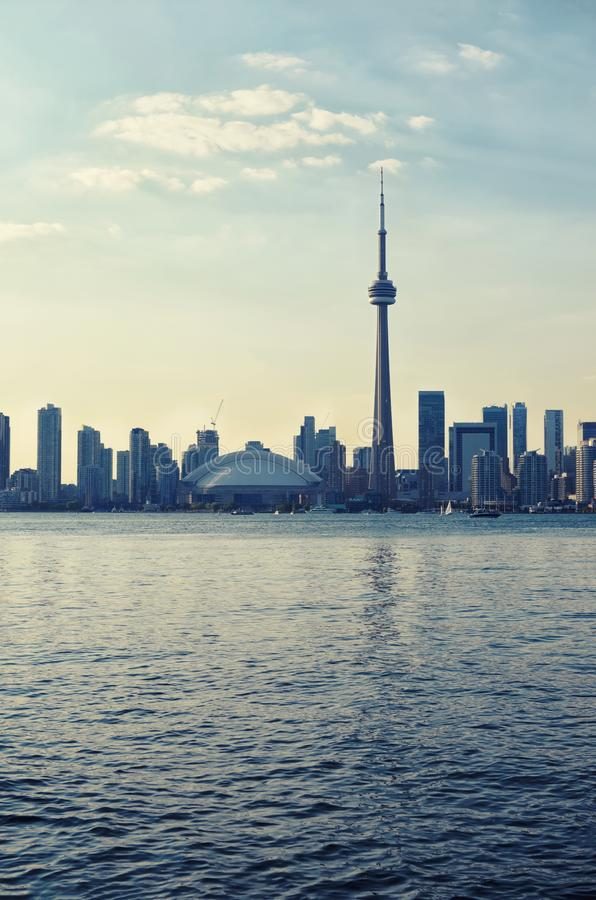 Im Stadtzentrum gelegenes Stadtbild Torontos lizenzfreies stockbild