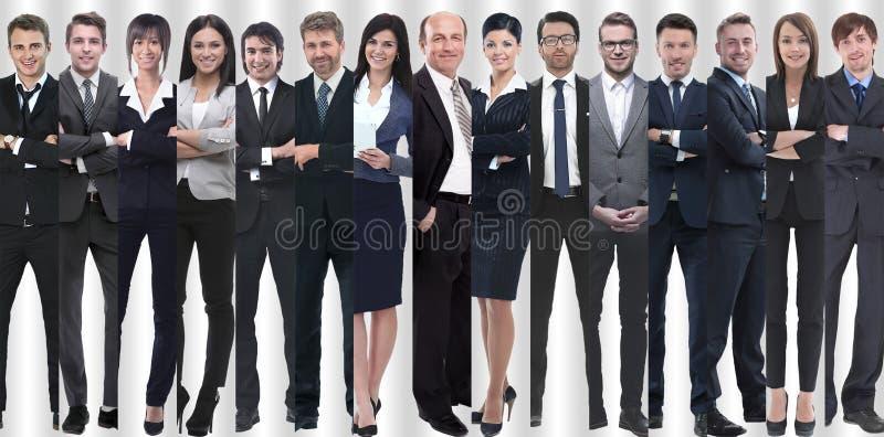 Im vollen Wachstum die Gruppe ist erfolgreiche junge Unternehmer lizenzfreies stockbild