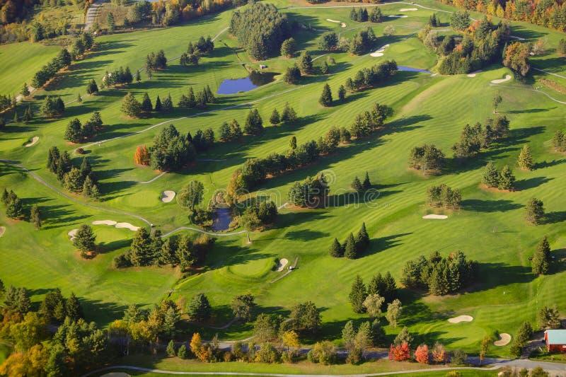 Image aérienne d'un terrain de golf. photos libres de droits