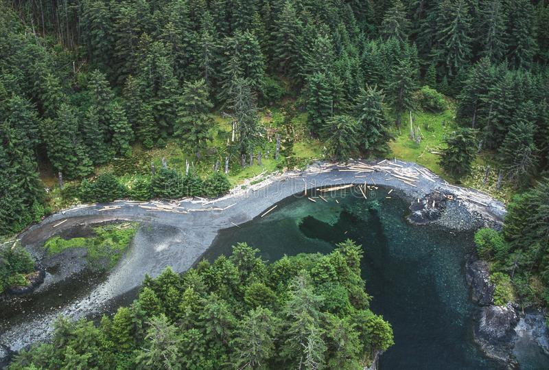 Image aérienne de Ninstints, Haida Gwaii, AVANT JÉSUS CHRIST, Canada photographie stock libre de droits