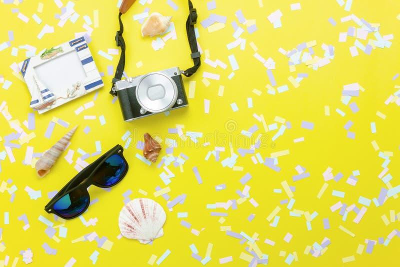 Image aérienne de vue supérieure de Tableau d'été et de vacances de plage de voyage d'objets dans le concept de fond de saison photos libres de droits