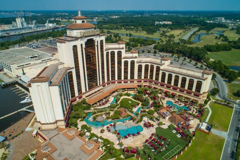 Image aérienne du casino de station de vacances de Lauberge sur le lac Charles Louis photographie stock libre de droits