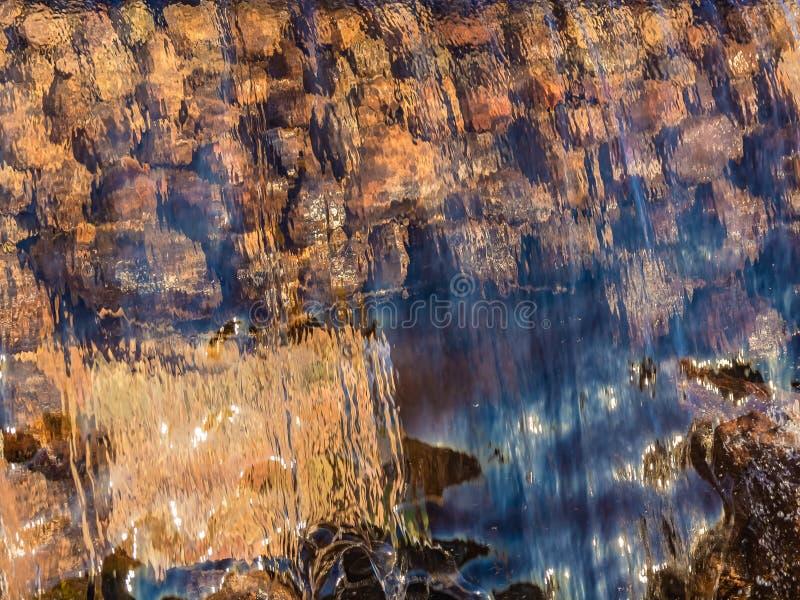 Image brouillée par l'eau en baisse photographie stock