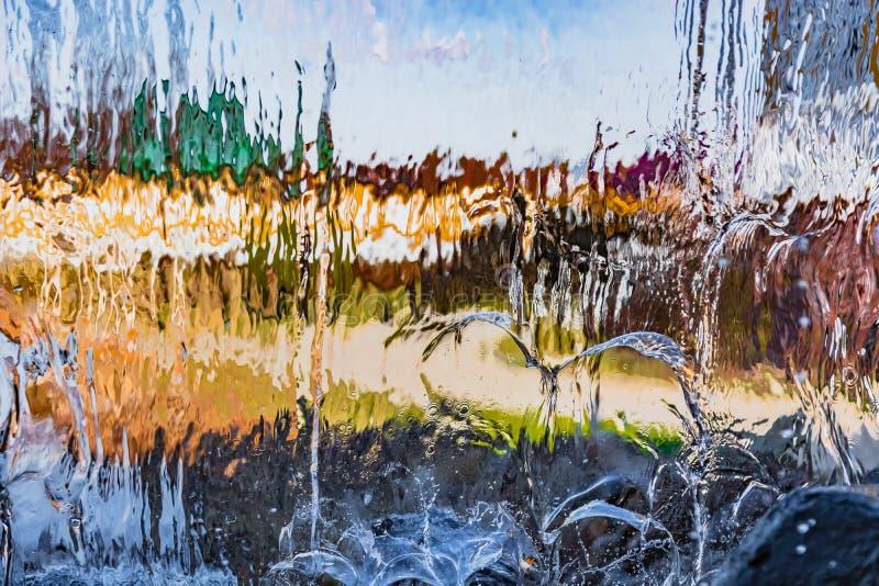 Image brouillée par l'eau en baisse images stock