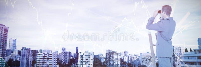 Image composée d'homme d'affaires regardant sur une échelle photographie stock libre de droits
