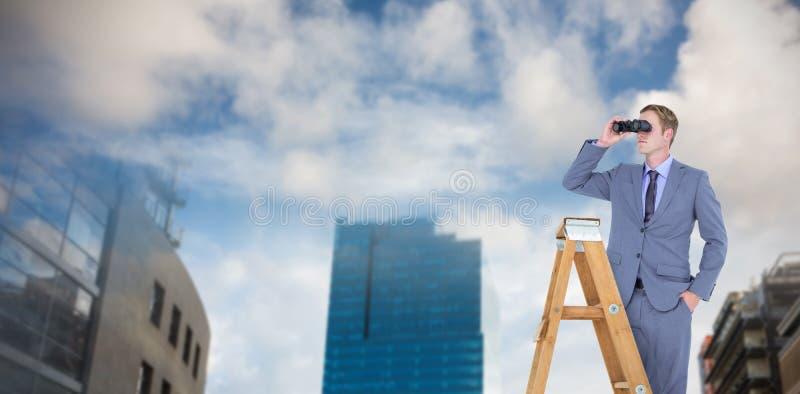 Image composée d'homme d'affaires regardant sur une échelle photos stock