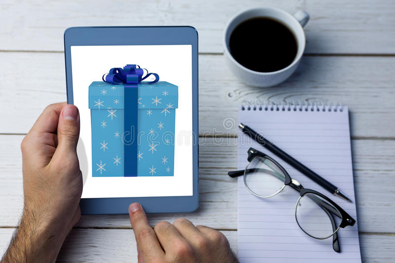 Image composée de boîte-cadeau de bleu et d'argent photos stock