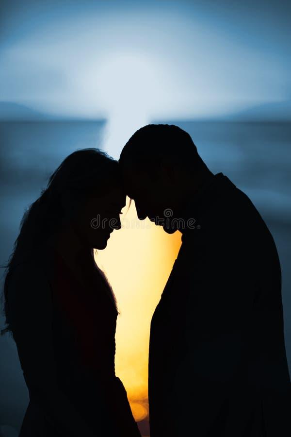 Image composée de coucher du soleil d'un beau jour images libres de droits