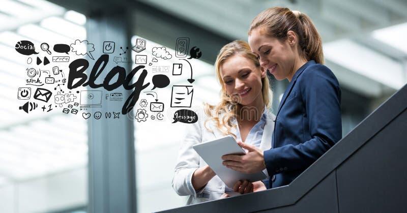 Image composée de Digital des femmes d'affaires à l'aide de la tablette avec des graphiques de blog illustration de vecteur