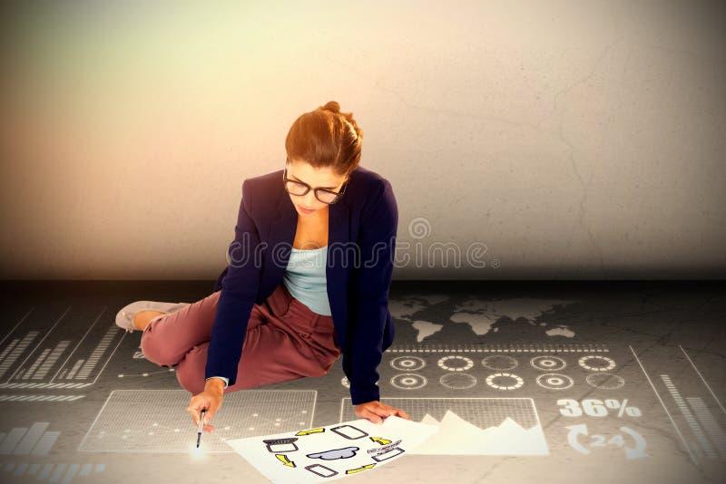 Image composée de la vue courbe de la femme d'affaires tenant le diagramme avec des icônes illustration de vecteur