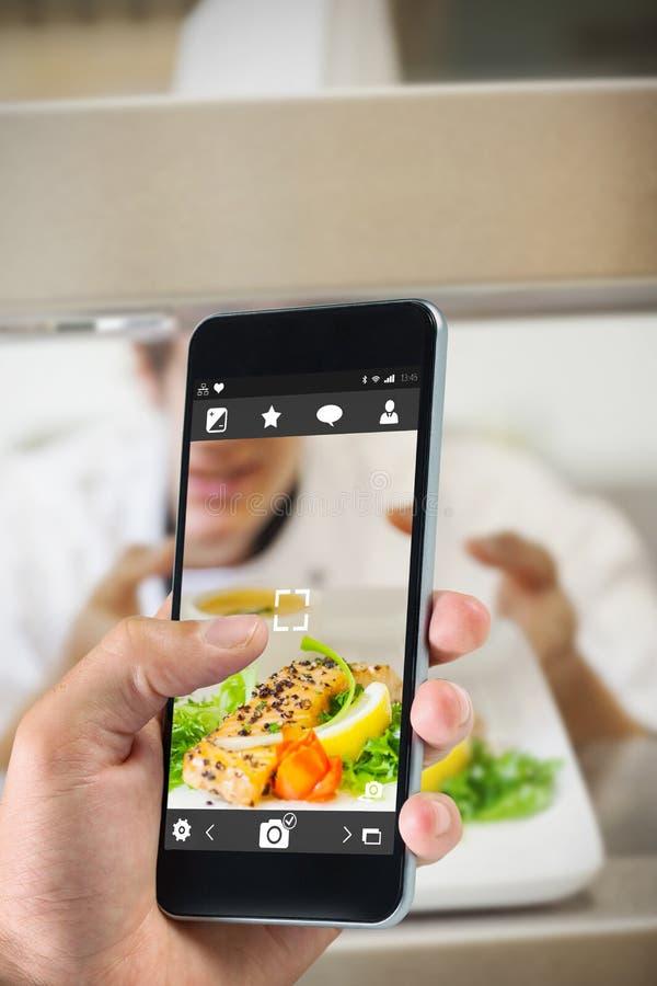 Download Image Composée De Main Tenant Le Smartphone Image stock - Image du foodie, compteur: 56480777