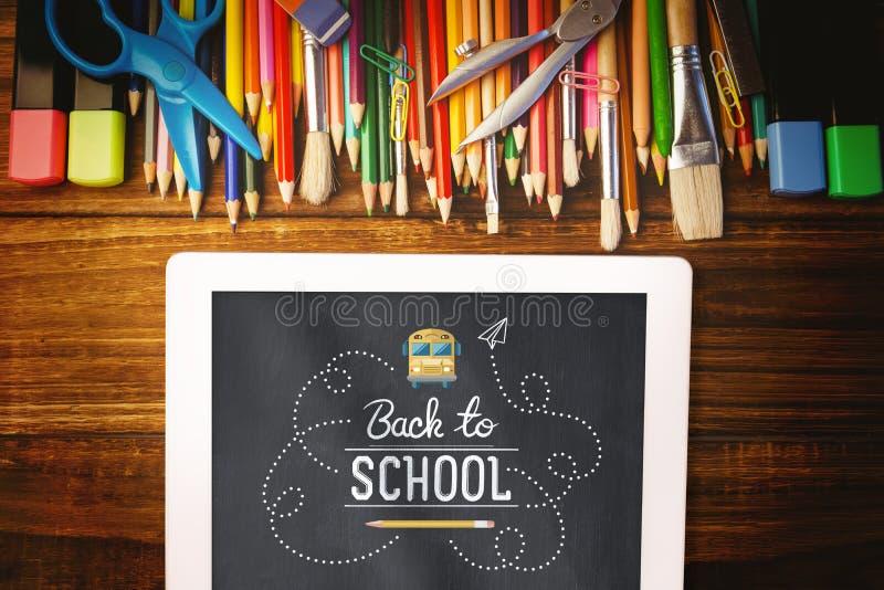 Image composée de nouveau à école illustration stock