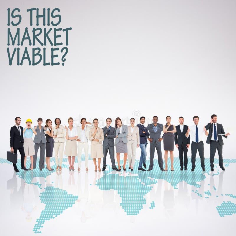 Image composée des gens d'affaires multi-ethniques se tenant côte à côte photos stock