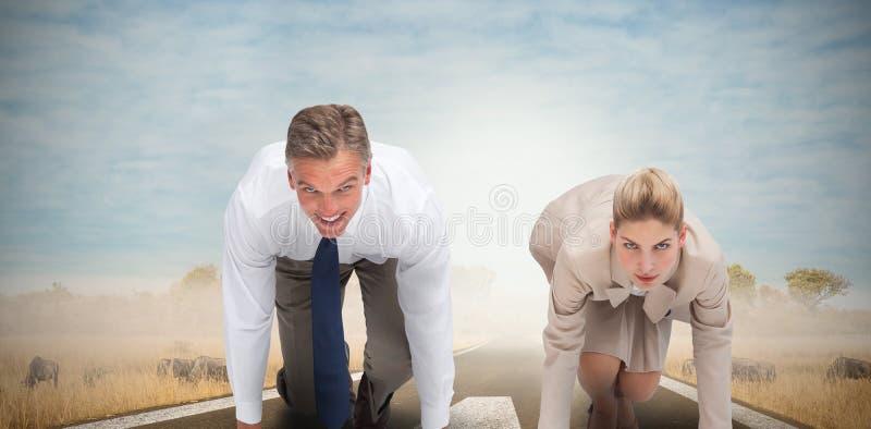 Image composée des gens d'affaires prêts à commencer la course image libre de droits
