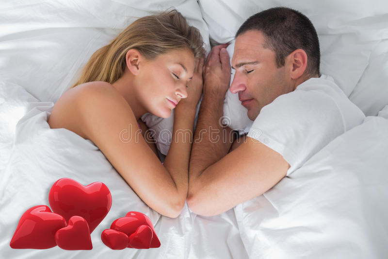 Image composée du mensonge mignon de couples endormi dans le lit illustration de vecteur