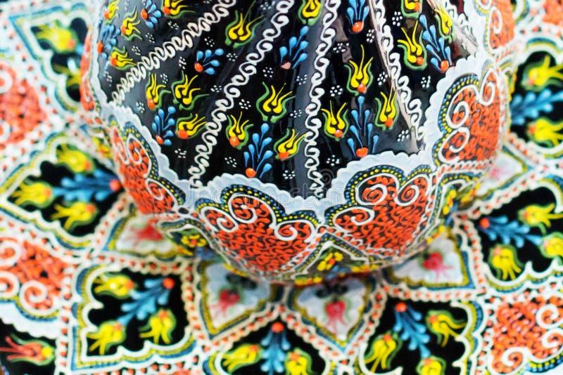 image détaillée d'un ornement oriental traditionnel sur le por turc photo libre de droits
