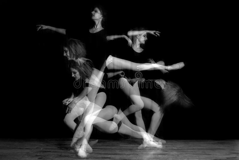 Image d'exposition multiple de danseuse de ballerine image libre de droits