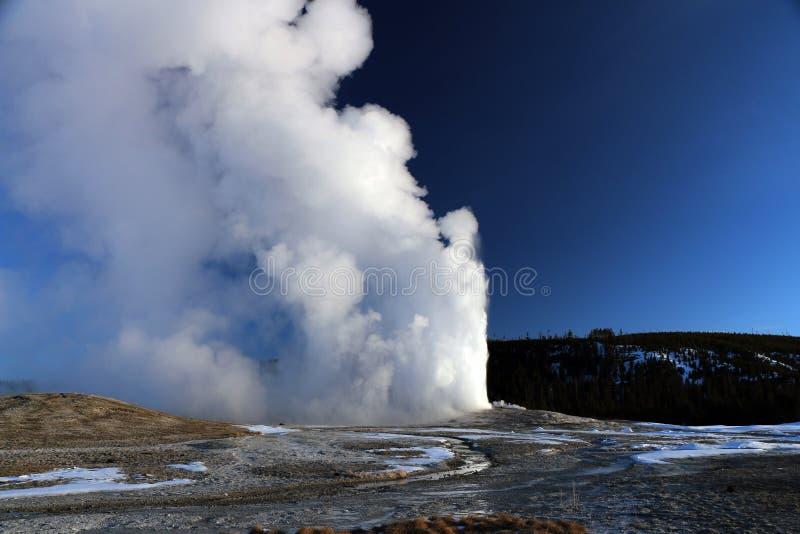 Image d'hiver en parc national de Yellowstone images stock