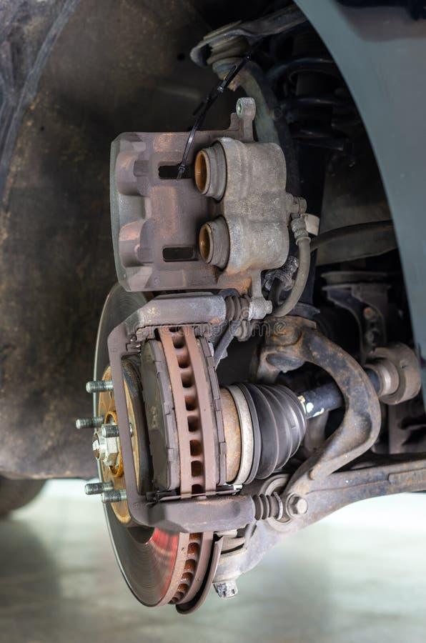 Image d'un disque de frein et de son calibre de frein photographie stock