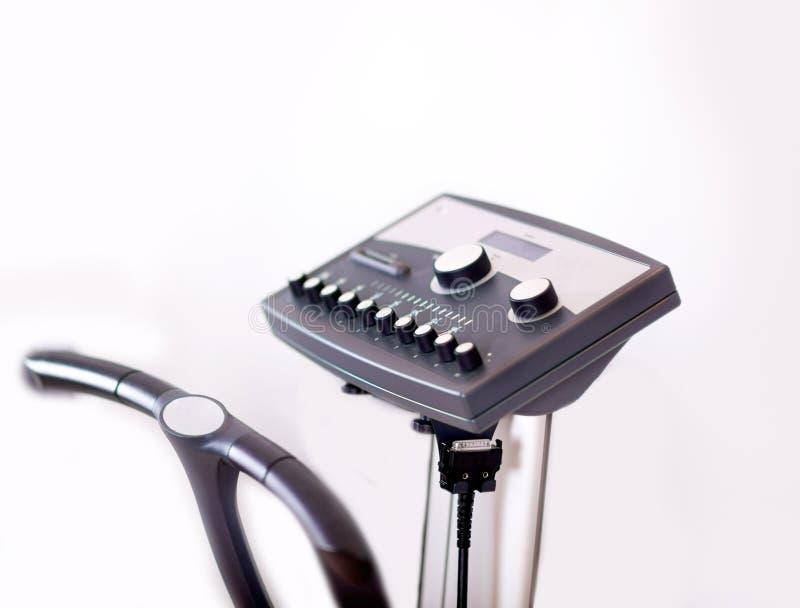 Image d'un nouvel outil électrique de forme physique de stimulation photographie stock libre de droits