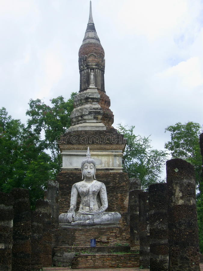 Image de Bouddha et vieille pagoda image libre de droits
