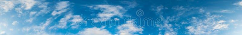 Download Image De Ciel Bleu Et De Nuage Blanc Image stock - Image du pelucheux, fond: 76086573