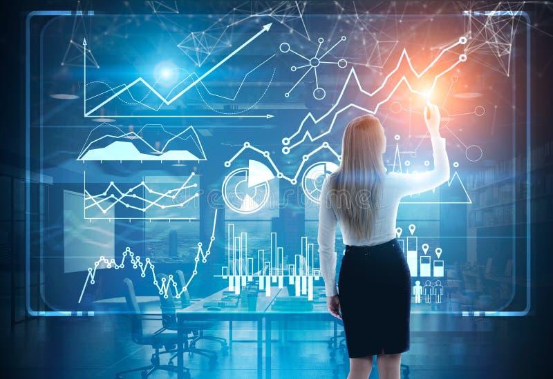 Image de femme d'affaires dans le graphique gris de dessin de costume photographie stock
