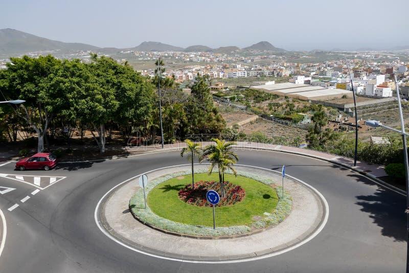 Image de film de photo d'un rond point sur le fond de rond point de rue photographie stock