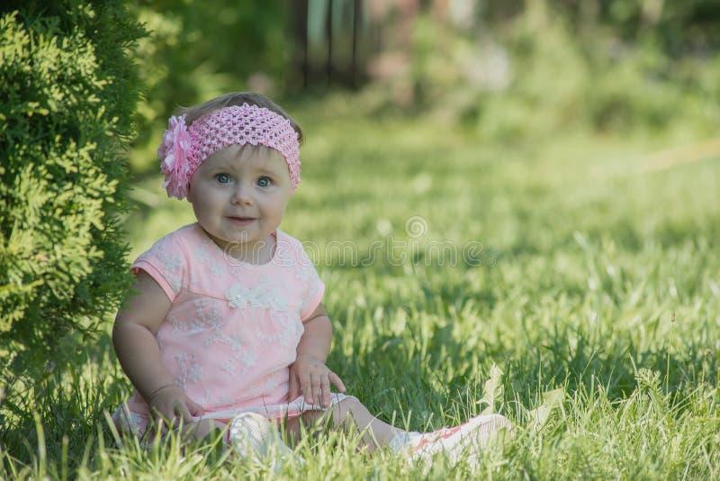 Image de la séance adorable de bébé image libre de droits