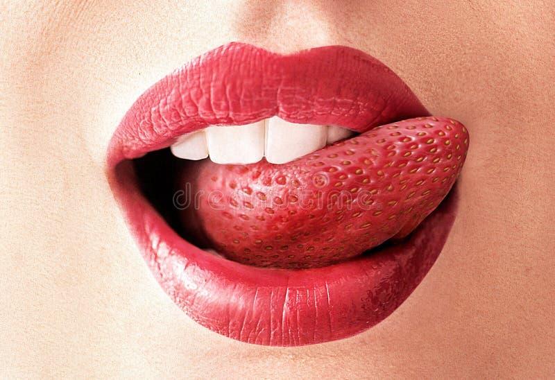 Image de plan rapproché d'une langue de fraise photo stock