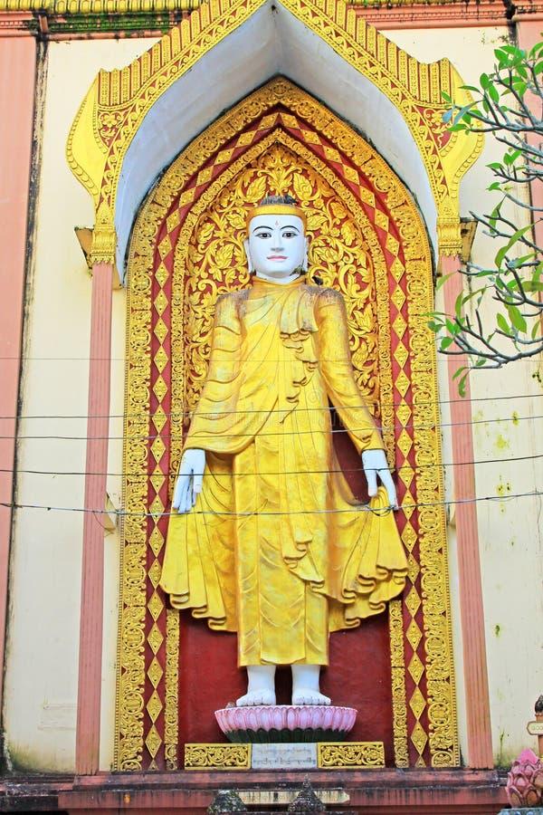 Image de quatre Bouddha, Bago, Myanmar image libre de droits