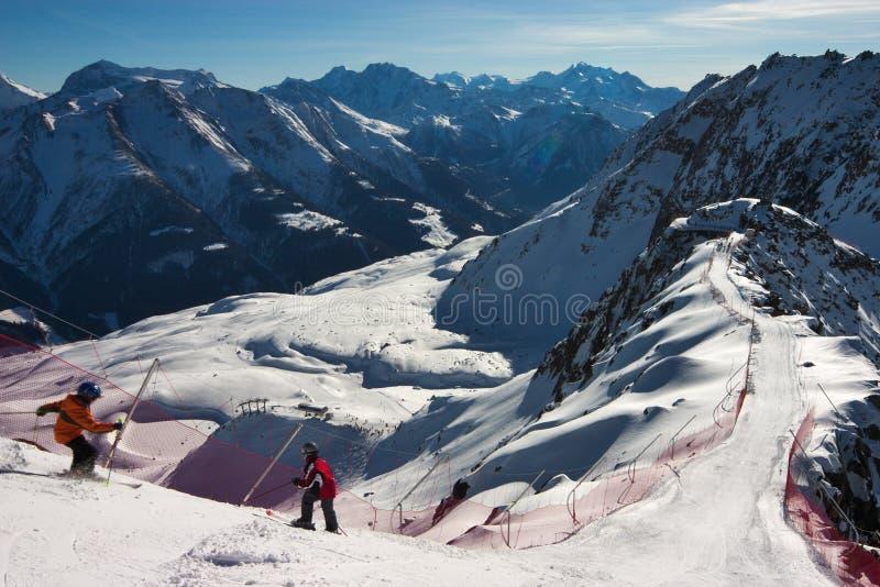 Image de sceninc de ski dans les Alpes suisses image stock