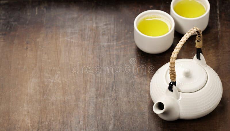 Image de théière et de tasses orientales traditionnelles images libres de droits