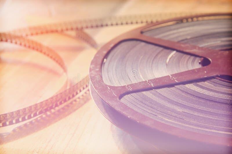 Download Image De Vue Supérieure De Vieille Bobine De Film De 8 Millimètres Au-dessus De Fond En Bois Photo stock - Image du amusement, écran: 56490554