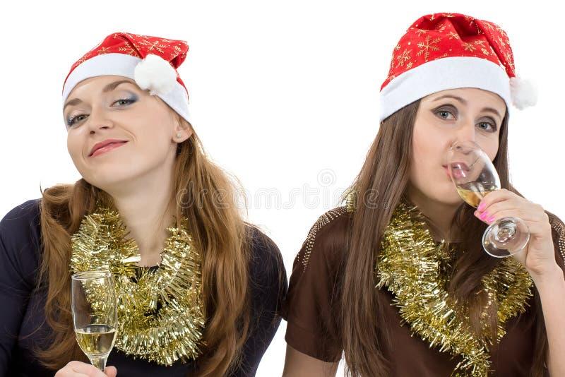 Image des femmes d'amusement avec les verres photo stock