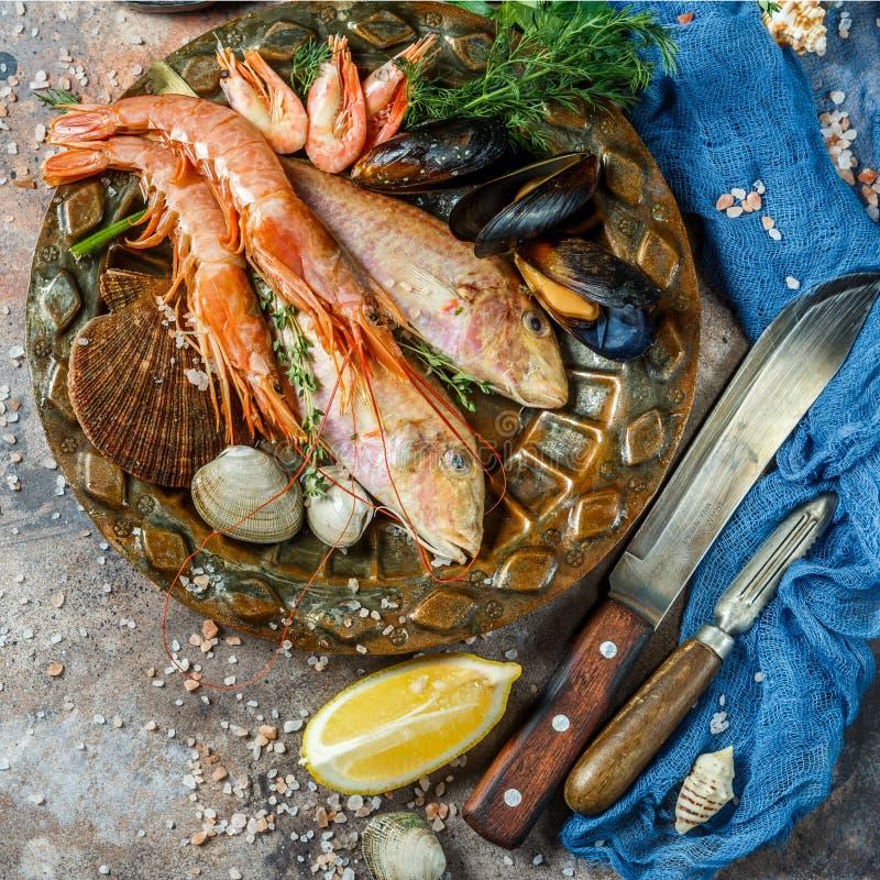 Image des poissons, crevette, mollusques et crustacés photographie stock