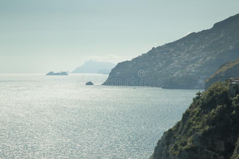 Image du paysage marin en italie images stock