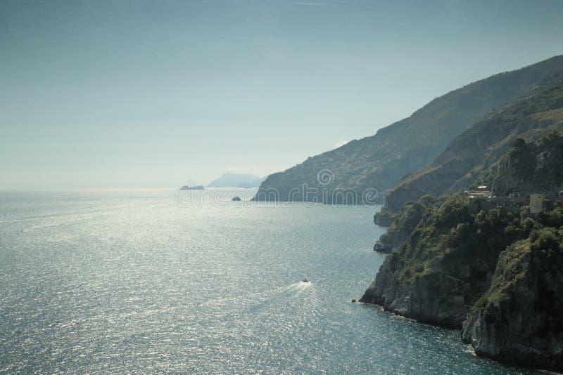 Image du paysage marin en italie images libres de droits