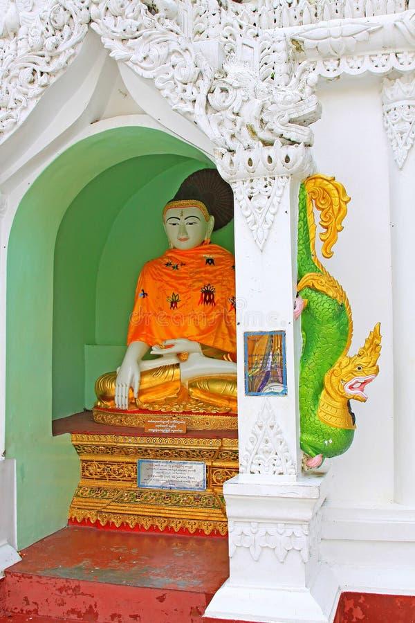Image du ` s Bouddha de pagoda de Shwedagon, Yangon, Myanmar image libre de droits