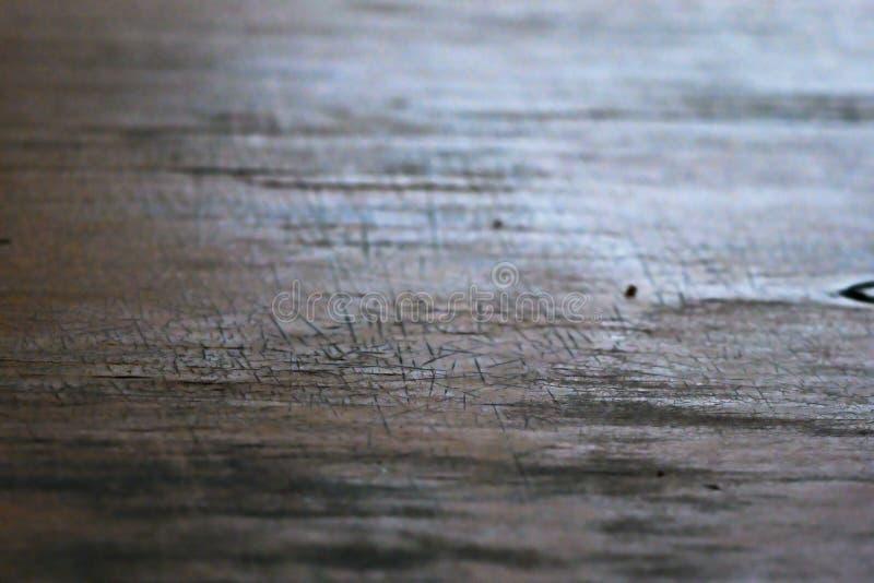 Image floue de bois avec petites coupures images stock
