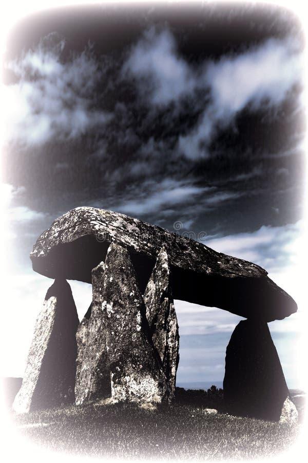 Image modifiée la tonalité du Pentre Ifan photo libre de droits