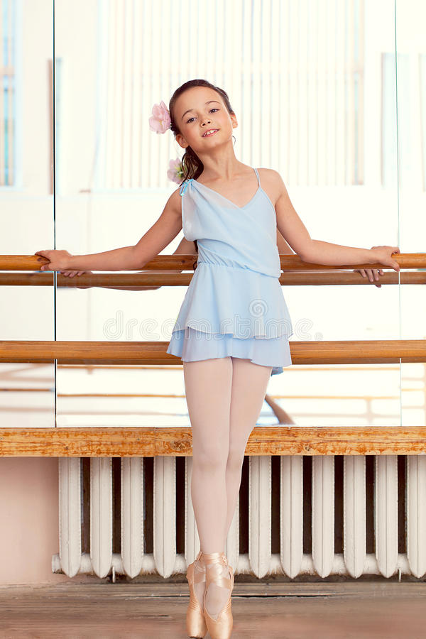 Free Image Of Petite Ballerina Posina At Camera Stock Photo - 42645090